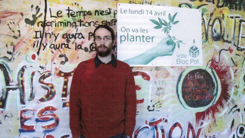 Photo prise en 2005 au pavillon Hubert-Aquin de l'UQAM - Hugô St-Onge
